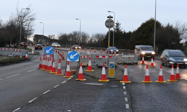 Contraflow measures on South Anderson Drive for SGN works.
