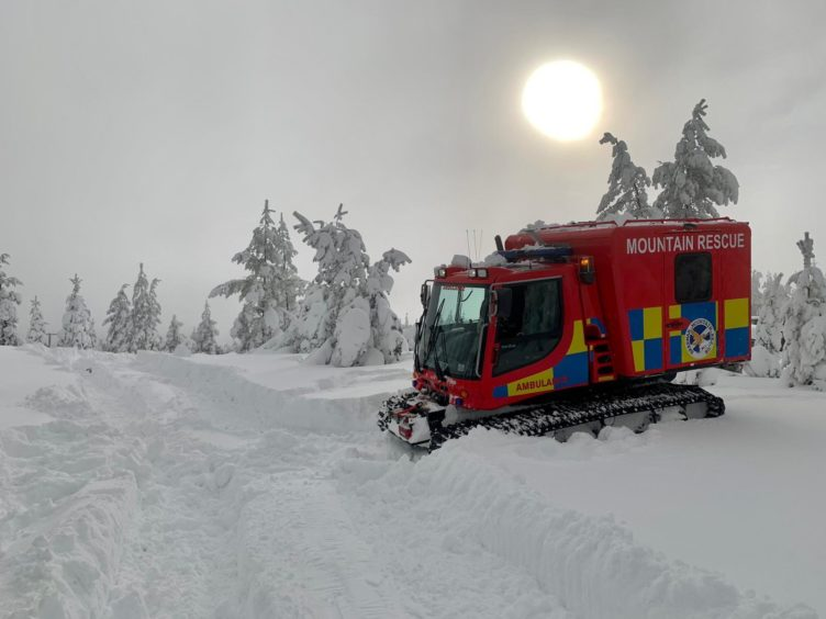 Snow has been causing problems on the roads - Braemar MRT helping keep power on