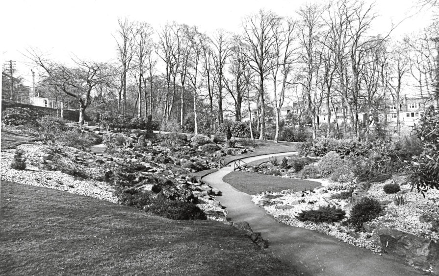 1976: Johnston Gardens