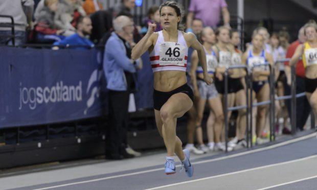 Zoey Clark running at the 2019 Scottish Indoors.