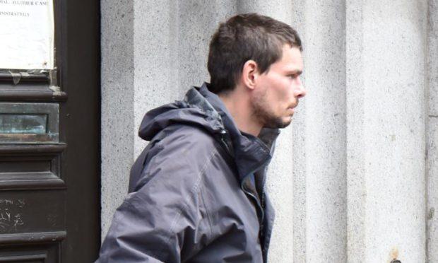 Man jailed after fruit machine meltdown in Aberdeen pub
