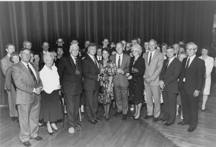 1991 - Lord Provost Robert Robertson and his wife Susan hosted a civic reception for the 29 Aberdeen Group
