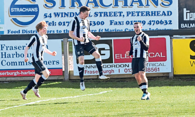 Scott Barbour, right, celebrates his goal to put Fraserburgh 2-1 up. Picture by Paul Glendell