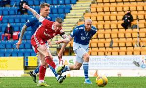 Jonny Hayes scores to make it 1-0 Aberdeen against St Johnstone.