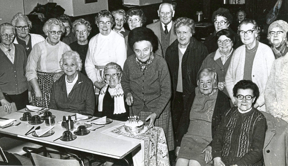 1986 - Founding member Margaret Gow cuts the cake at Ferryhill Community Council lunch club's fifth anniversary celebration at Ferryhill North Church