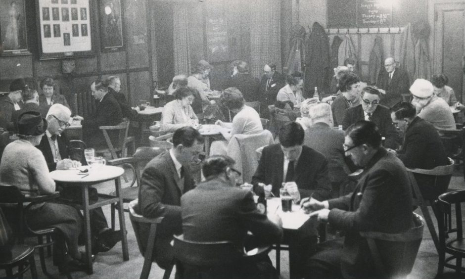 When bingo was all the rage in the 1960s, it popped up in places across Aberdeen... including this session at the Scottish Horse Regimental Association and Club in Crown Terrace in 1964.