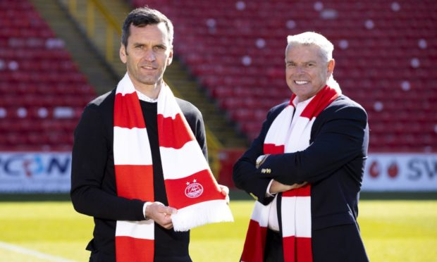 Aberdeen manager Stephen Glass (l) and chairman Dave Cormack