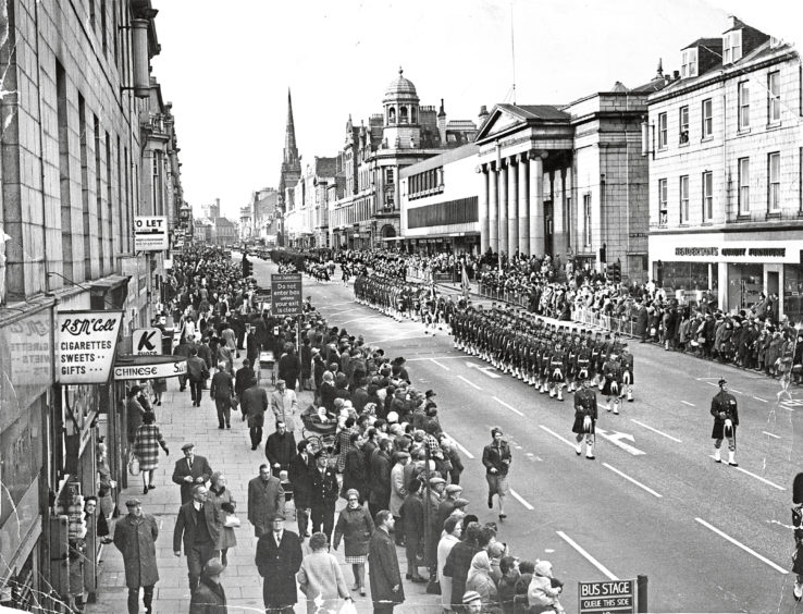 1971: The Gordons make a splendid sight marching down Union Street with bayonets fixed and colours flying.'