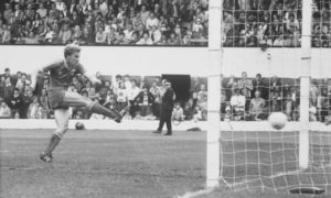 Neale Cooper thunders in a goal in the 1982 Scottish Cup final.