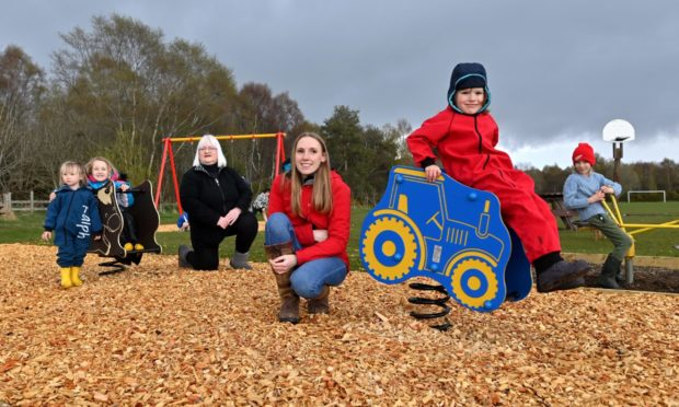 Parents in Luthermuir have raised thousands of pounds to revamp the wretched village playpark. Pictured are Ralph and Isabelle, Susan Duncan, Paula Mitchelson, Archie and Calvin.