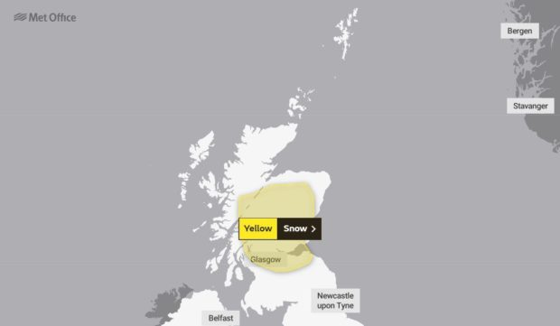 A yellow weather warning for snow issued until 11am