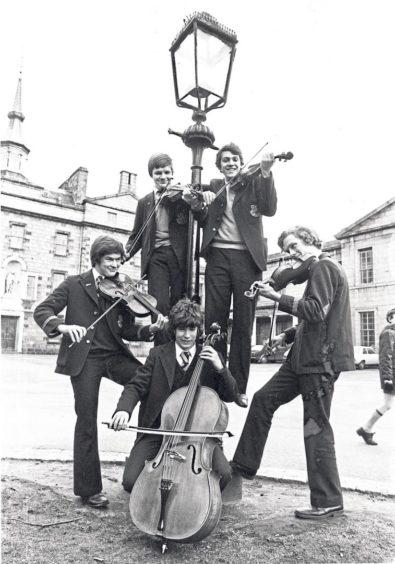 Michael Binks, Richard Steyn, Nigel Wray, Andrew Parry and cellist Eric Kiltie