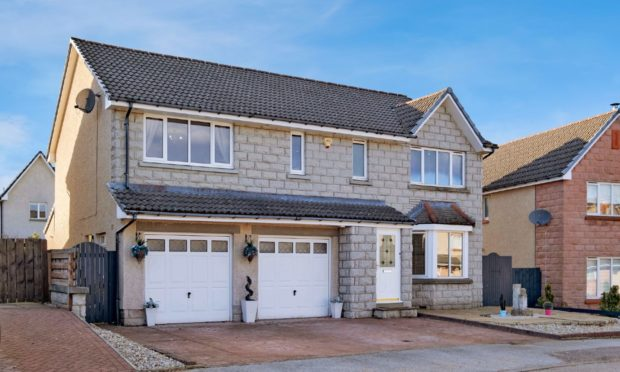 6 Caird's Close, Banchory.