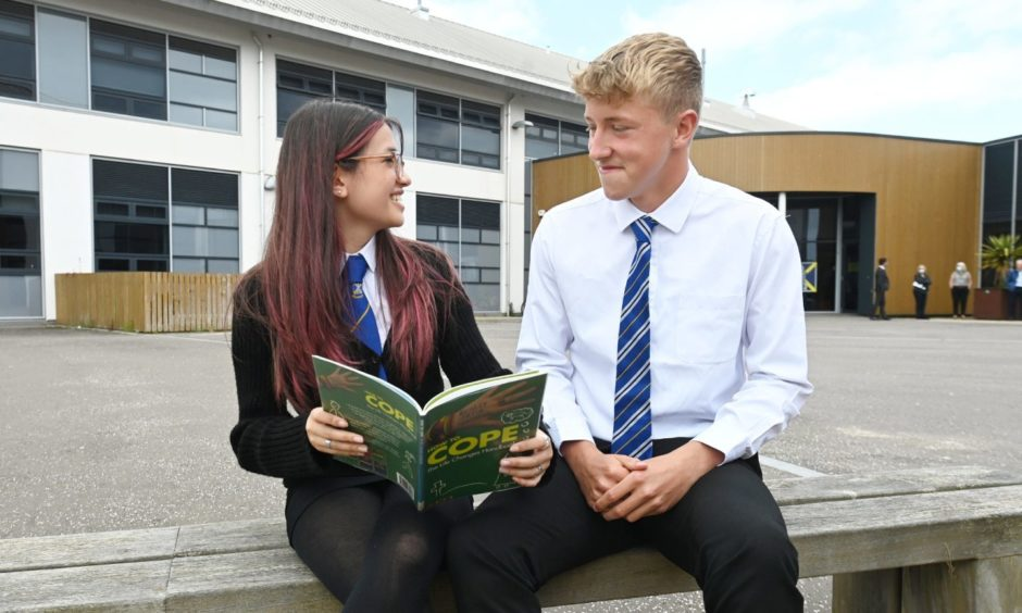 Mearns Academy S5 pupils Corrine Turner and Cameron Fryer have trained as peer mentors to help youngsters struggling after lockdown.