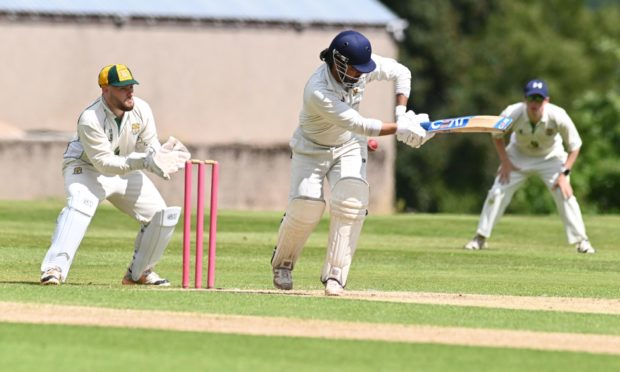 Mayank Bhandari, centre, is hoping Gordonians' good form continues