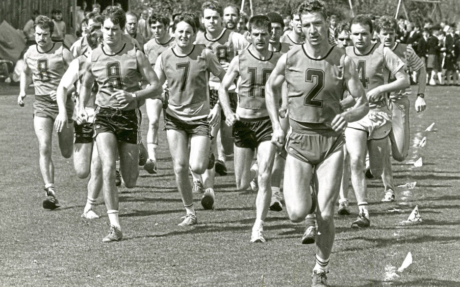 1988 - The runners in the hill race set off at Monaltrie Park during Ballater Highland Games