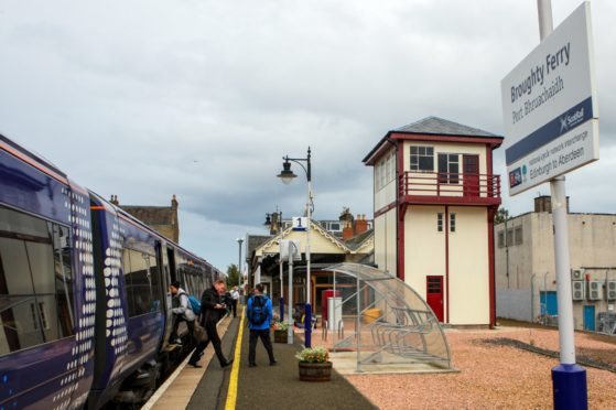 Rail disruption at Broughty Ferry