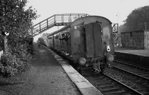 The old Buchan train as it rounds the bend at Ellon Station.