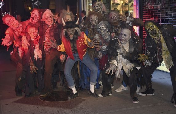 Syndicate Post image  sc 1 st  Evening Express & Heidi Klum pays tribute to Thriller music video with Halloween ...