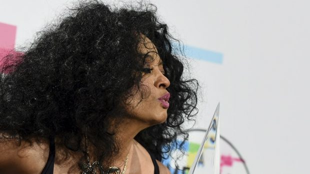 Diana Ross Accepts Lifetime Achievement Honor at the AMAs