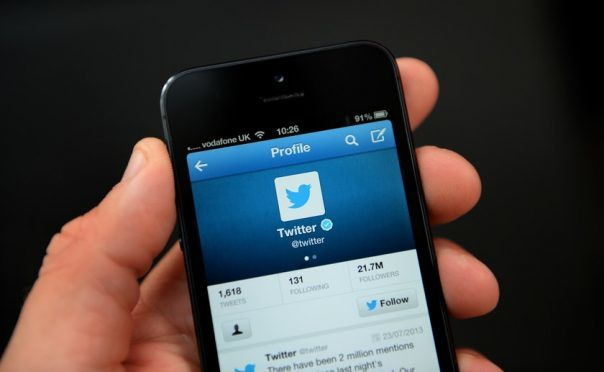 Twitter launches feature to organize multi-tweet threads