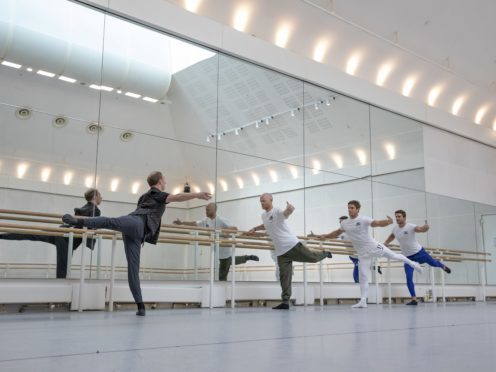 Bennet Gartside shows how to pirouette at the Royal Opera House (Andrej Uspenski)
