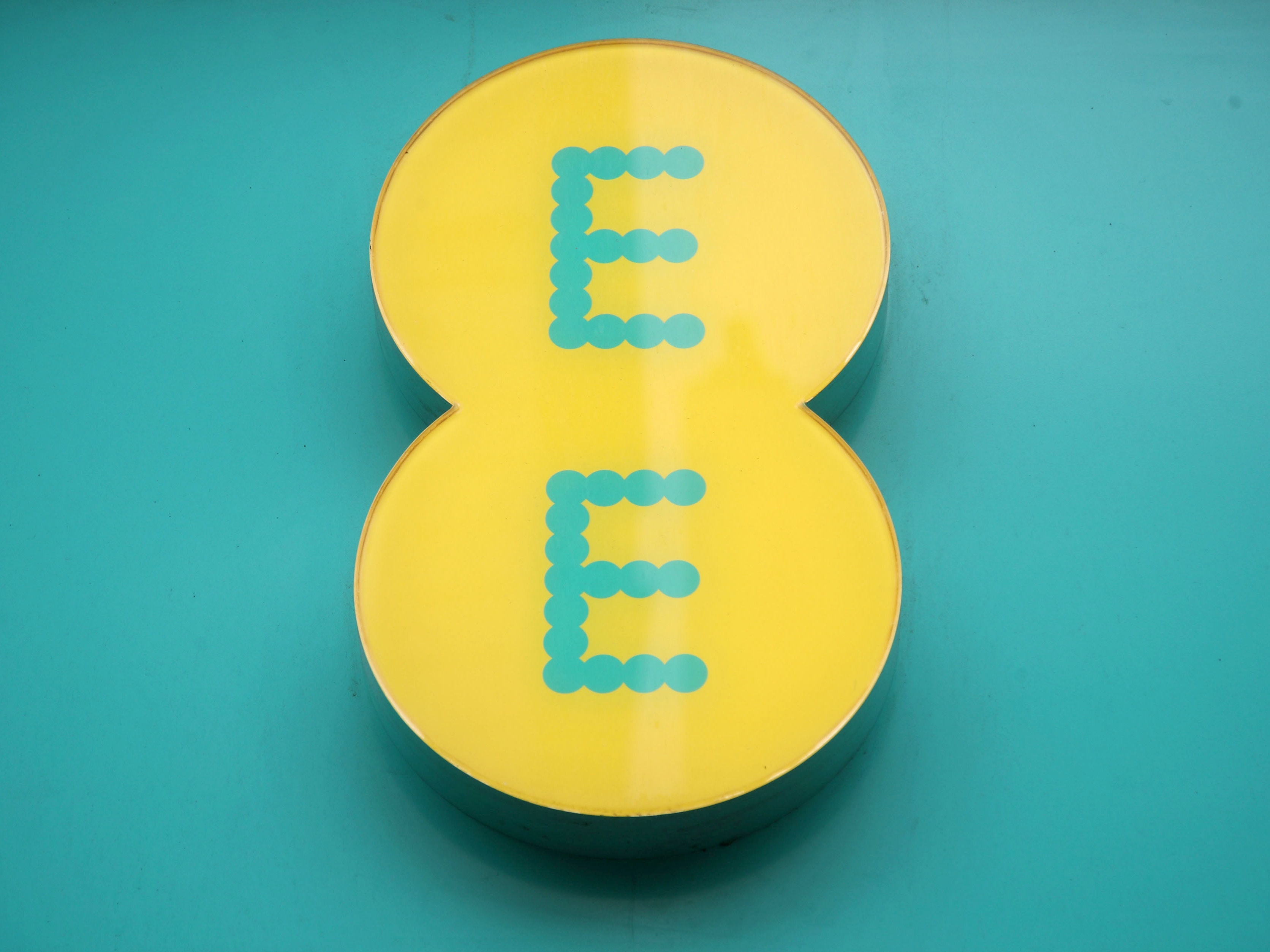 EE launches 5G network