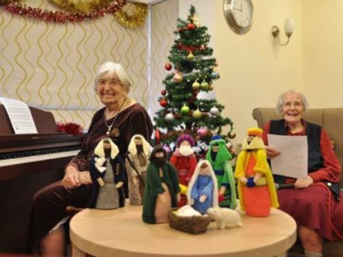 Margaret Warburton and Pearl Medd (Care UK/PA)