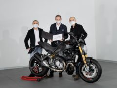 C. Domenicali (CEO Ducati) – A.Ferraresi (Ducati Design Centre Director) handing over the 350,000th Monster to S. De Rose