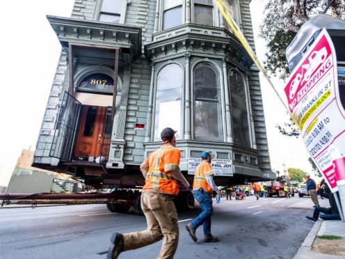 The house move under way in San Francisco (AP)