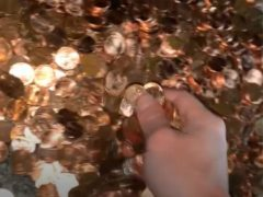A man in the US received his final pay in thousands of pennies (Olivia Oxley)