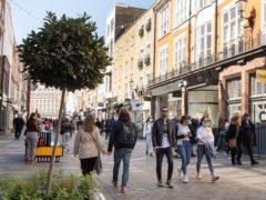 Merchants on South Molton Street welcome customers back to the neighbourhood of Mayfair/ Belgravia (Matt Crosick/PA)
