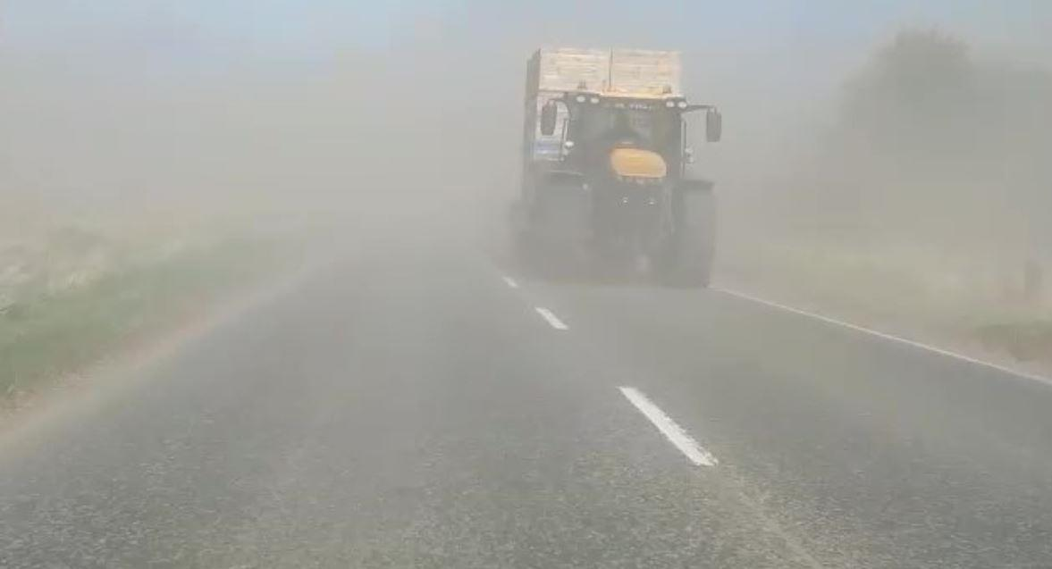 VIDEO: Dusty roads make oncoming traffic nearly impossible to see in Moray – Evening Express