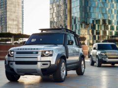 (Land Rover)