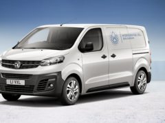 The regular VIvaro-e is powered by a solely electric powertrain