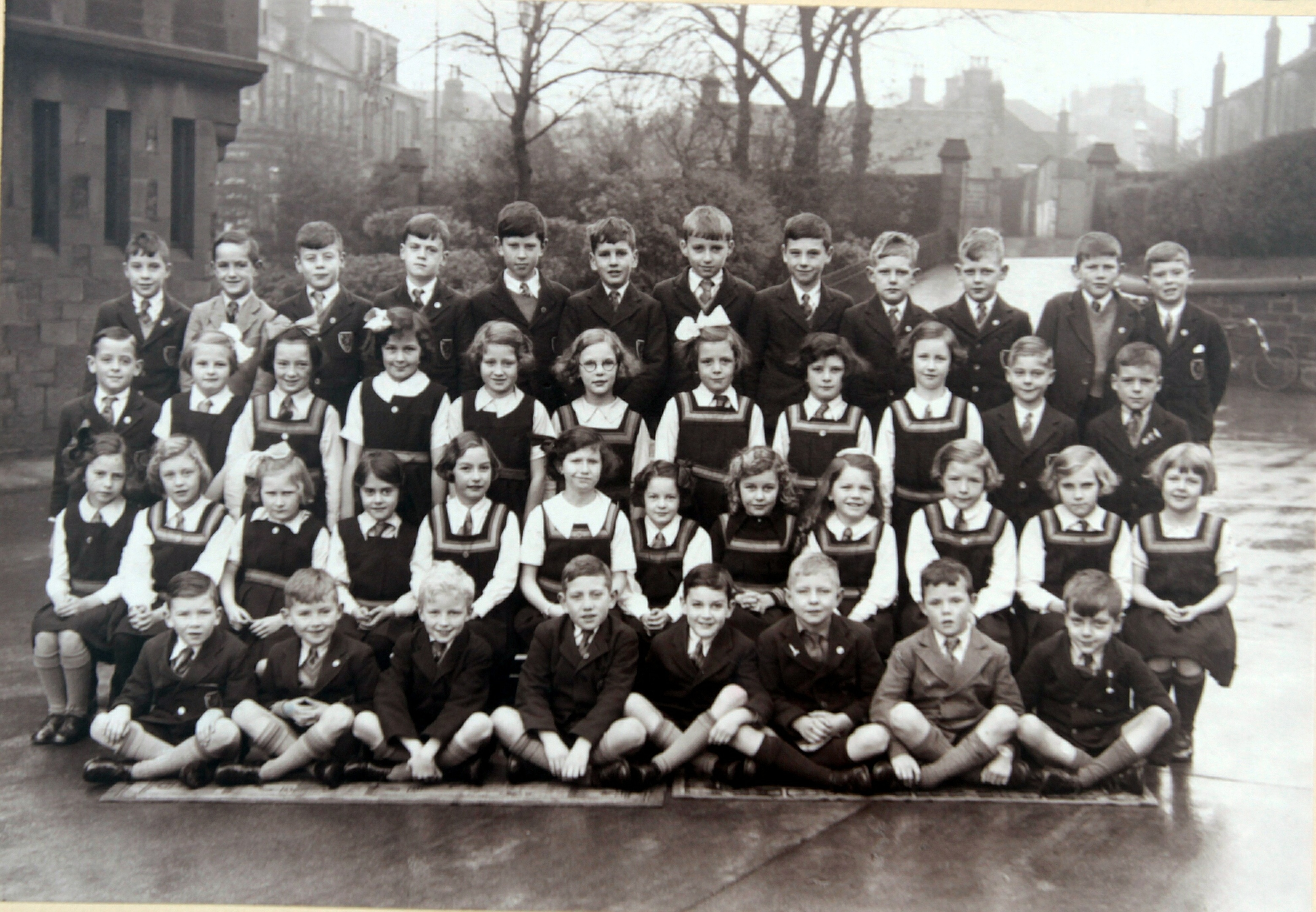 A class photo from Morgan Primary in 1938/39