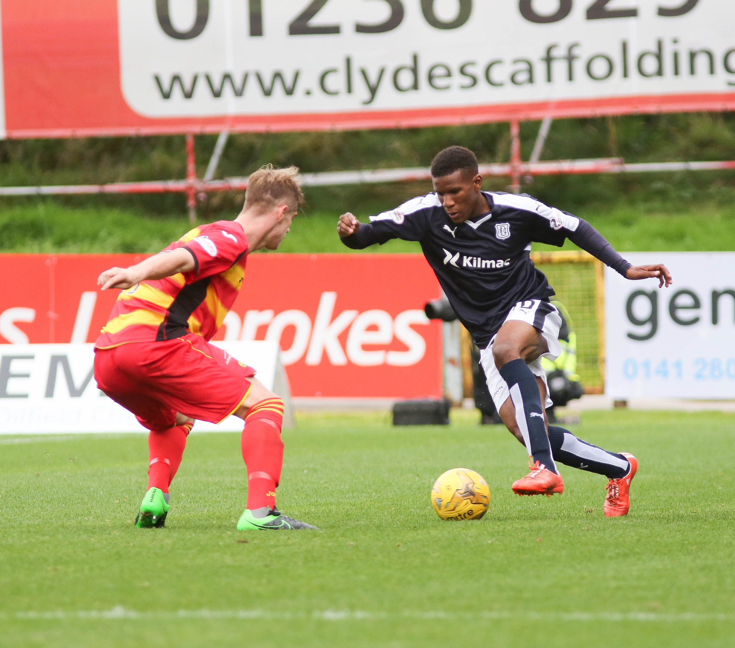 Riccardo Calder on his debut against Partick Thistle. (Picture by David Young)