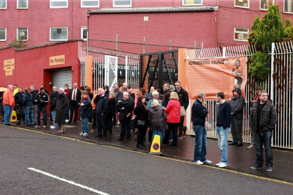 Bob Douglas, Evening Telegraph. Funeral of former Dundee United player Ralph Milne. Fans outside Tannadice.