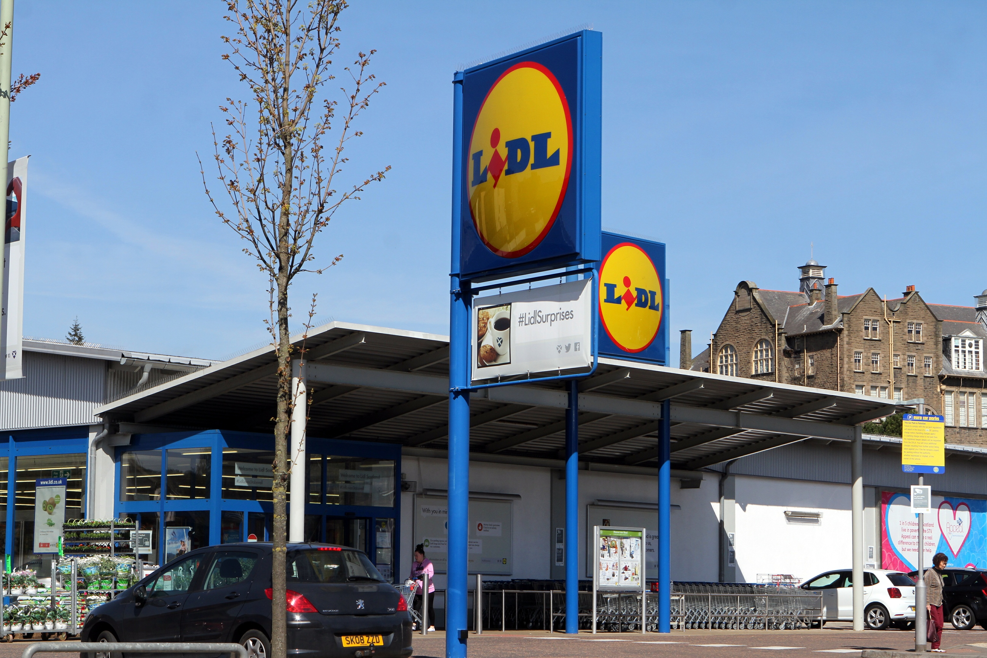 The Lidl store on Dura Street in Dundee. An application has been submitted to have it extended, which has been recommended for approval.