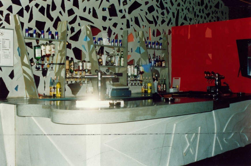 One of the bars inside Fat Sams nightclub in 1993.
