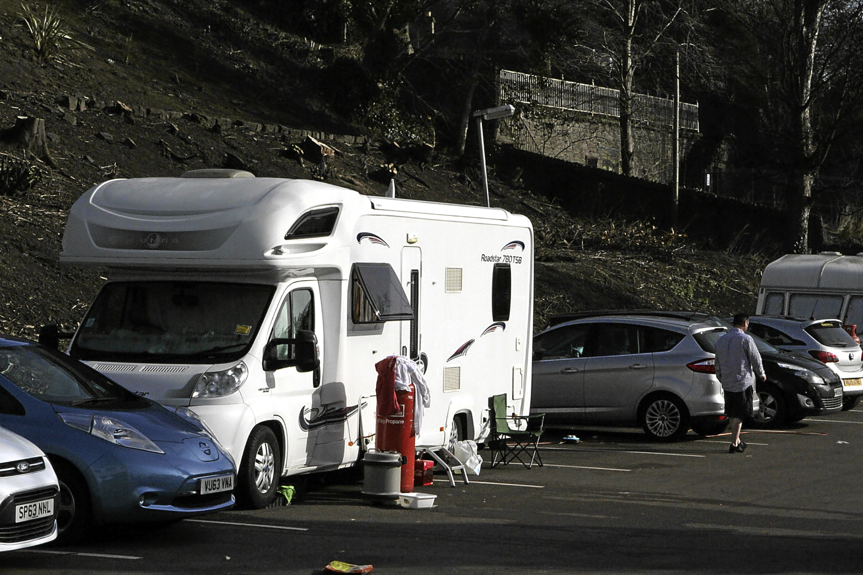 Travellers have pitched up at a university car park on Seabraes Lane in Dundee.