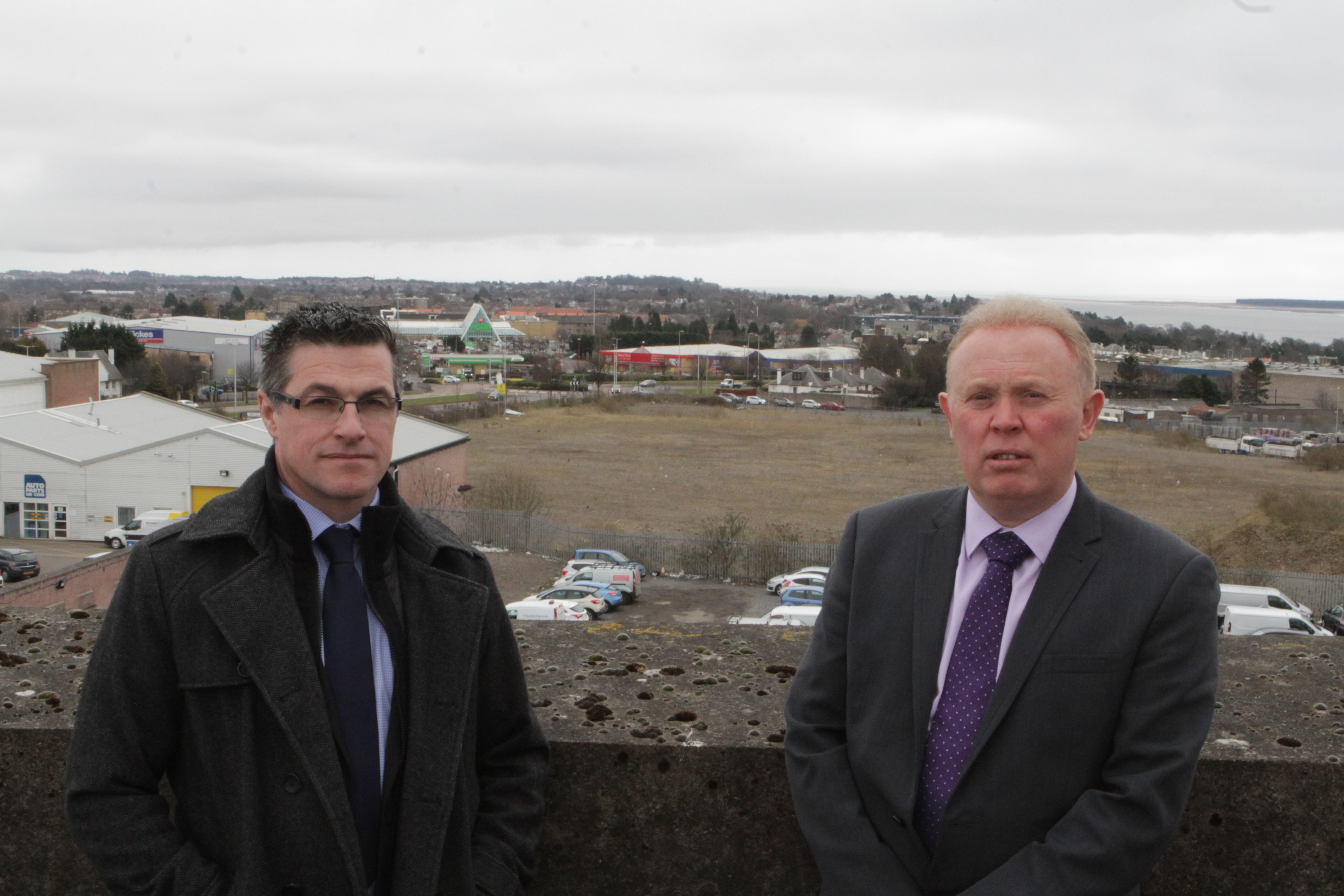 Detective Constable Mike Proctor and Detective Chief Inspector Andy Guy visited Dundee.
