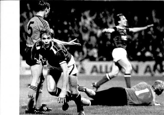 Dundee v Dundee United 1987. 2-1. Tommy Coyne after scoring.