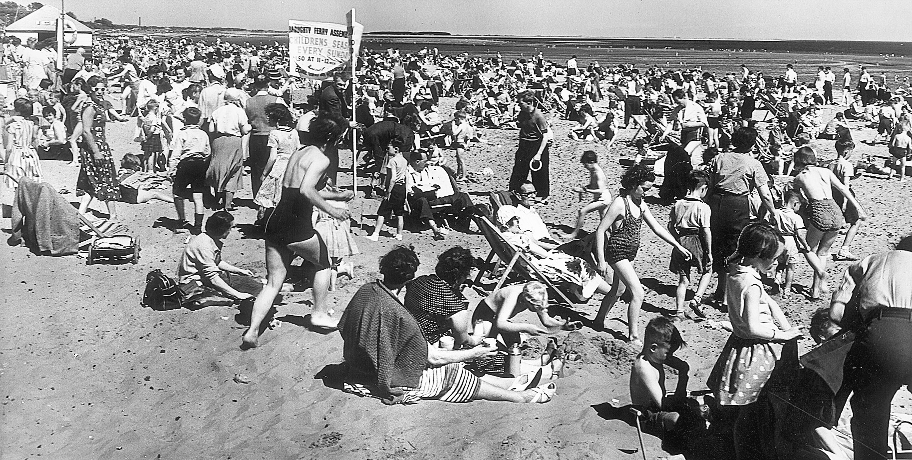 A jam-packed Broghty Ferry beach in the summer of 1959.