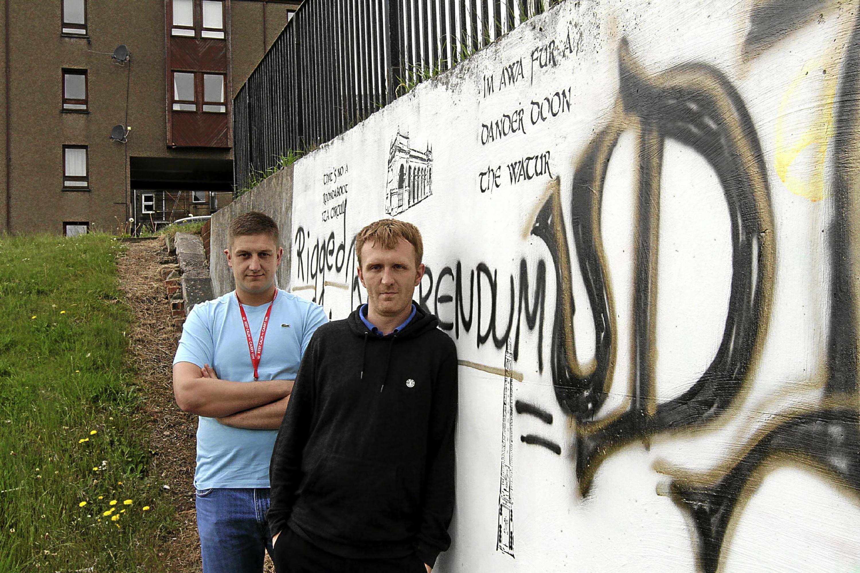 Gregor Leslie and local artist FYZN