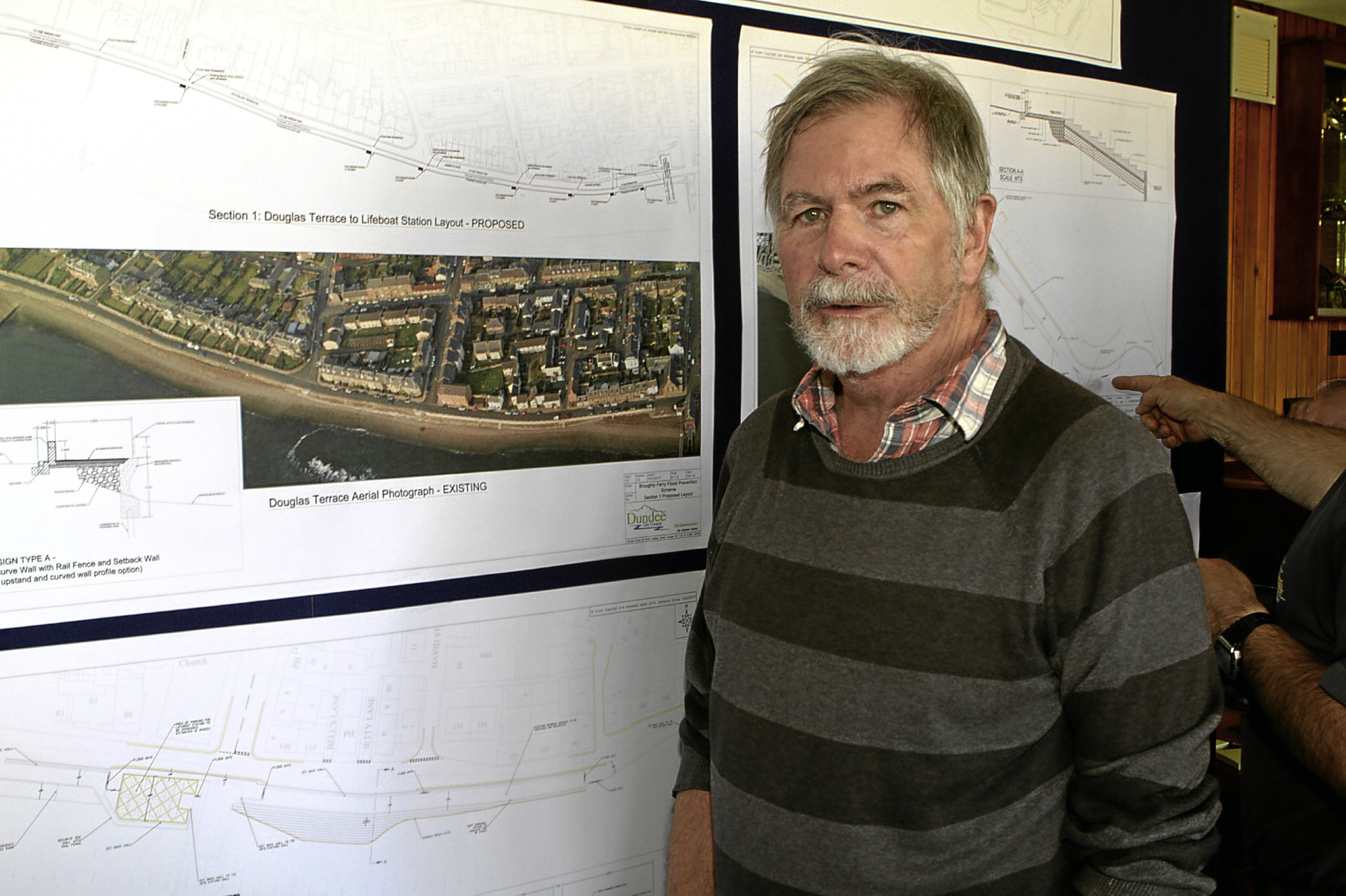 Chairman of Dundee Civic Trust Nick Day at the public consultation.