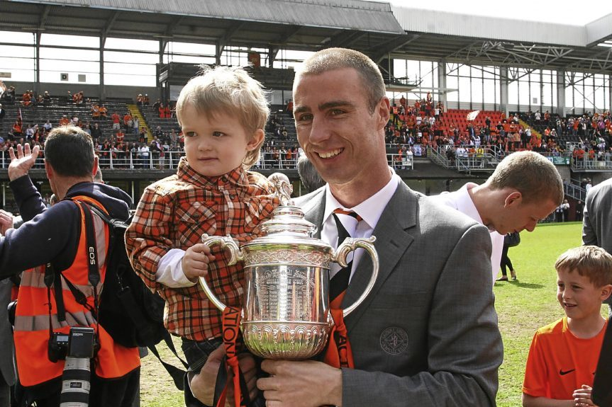 Sean Dillon with the Scottish Cup in 2010