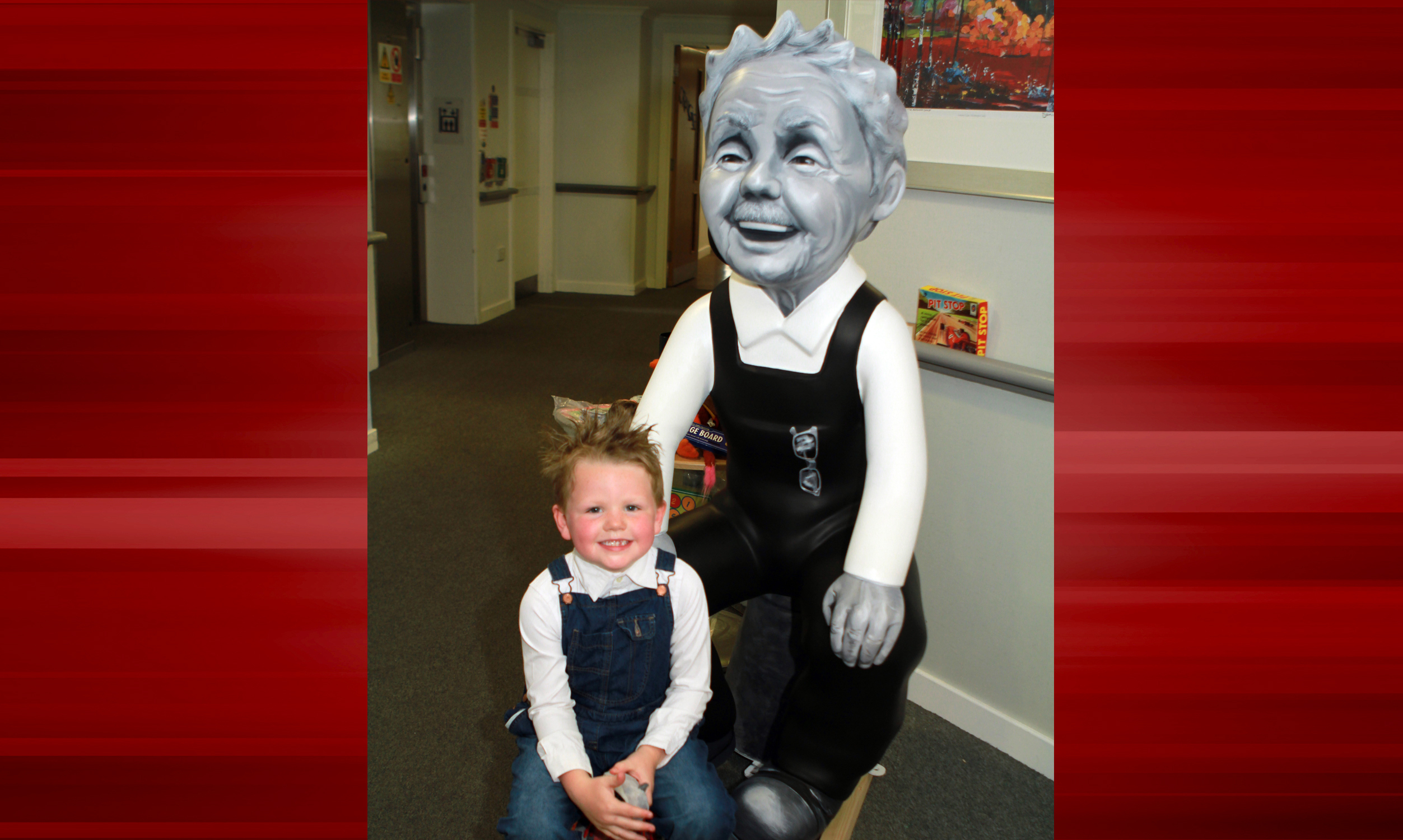 Five-year-old Lennon Grant was all smiles for a picture with Oor Wullie.