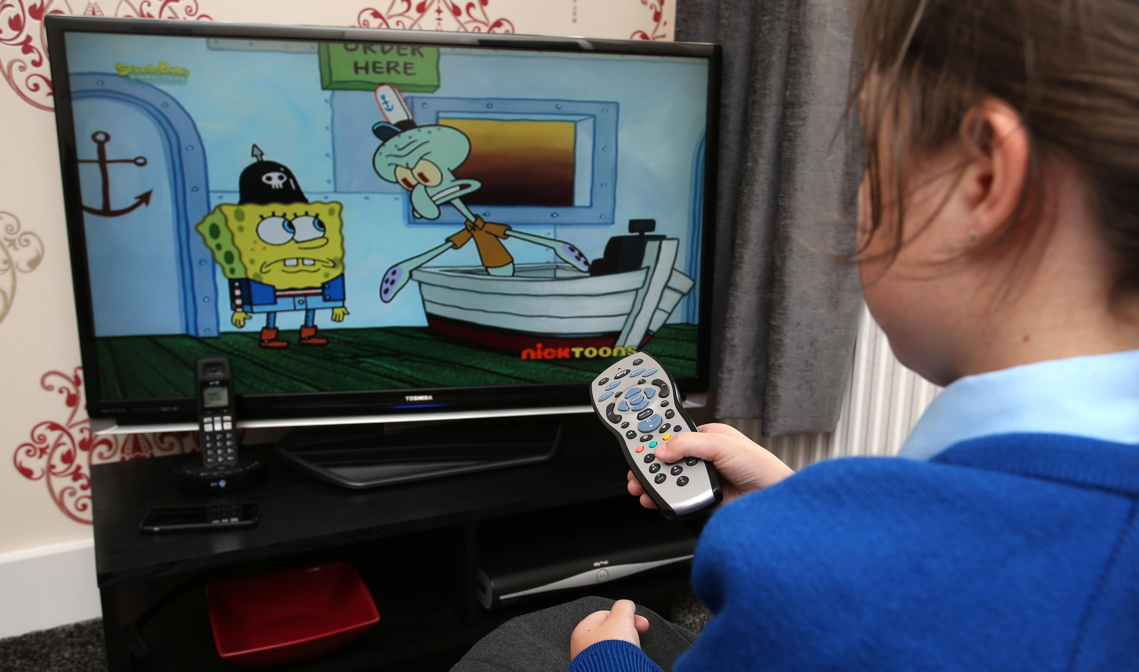 Latest research suggests background noise from television and radio can get in the way of young children picking up new words.