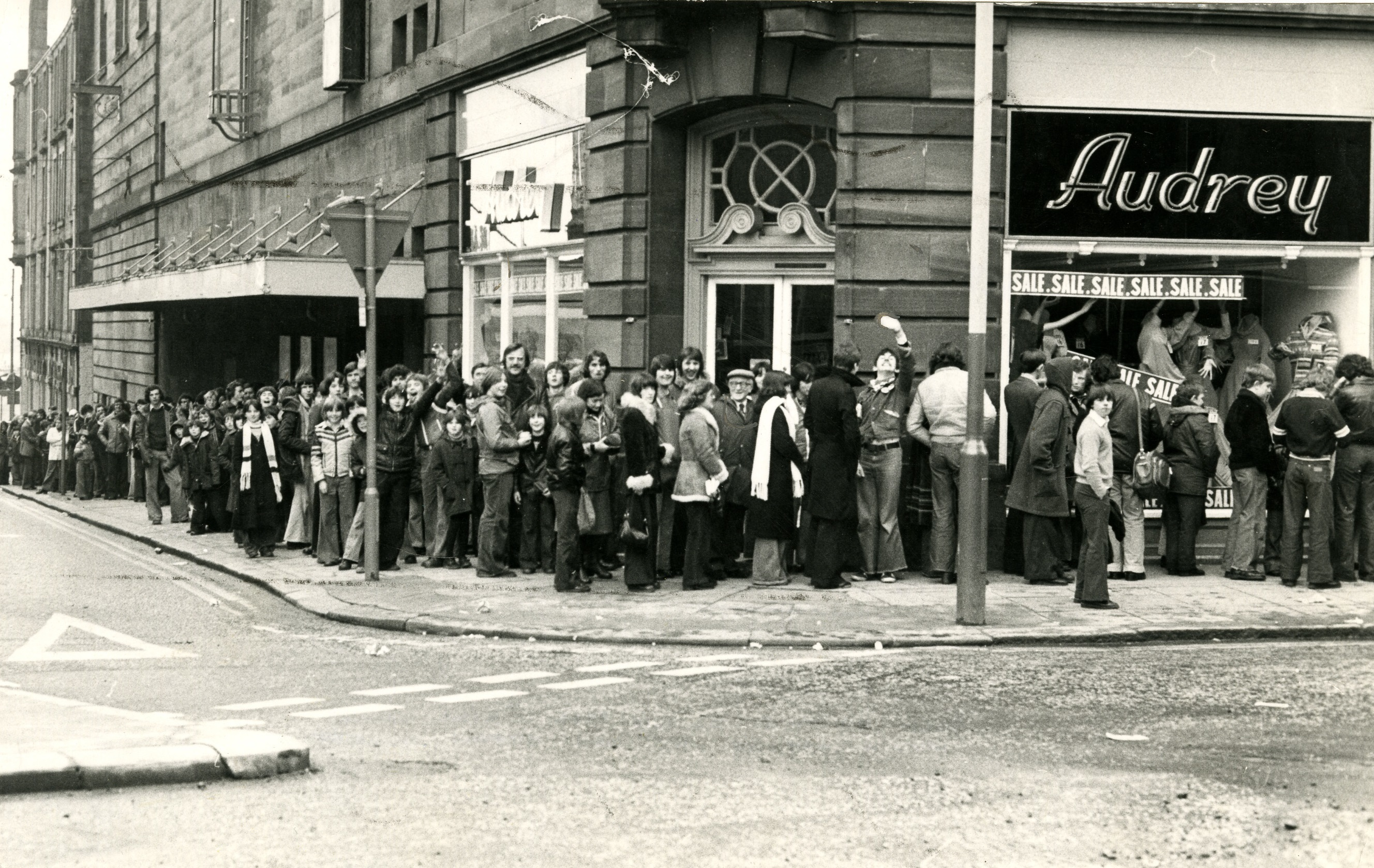 Queuing for Star Wars at the Odeon in February in 1978.